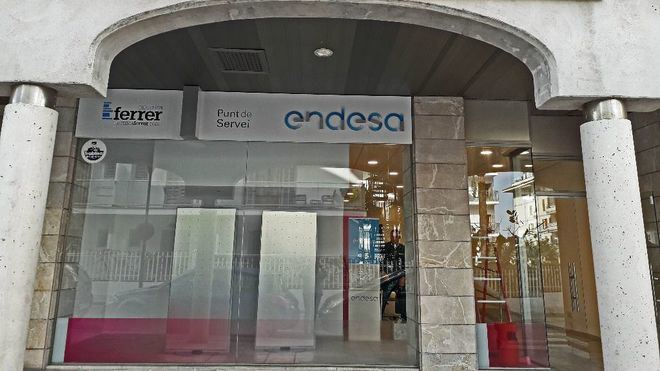 Endesa abre un nuevo punto de atenci n comercial en el for Oficinas endesa