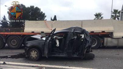 Una mujer y dos niñas entre los cinco heridos en un choque múltiple en Via de Cintura