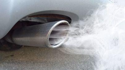 La OCU denuncia que casi el 70 por ciento de los coches emiten más CO2 de lo que declaran