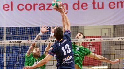 El Urbia Palma gana en Almería y prolonga la serie de semifinales