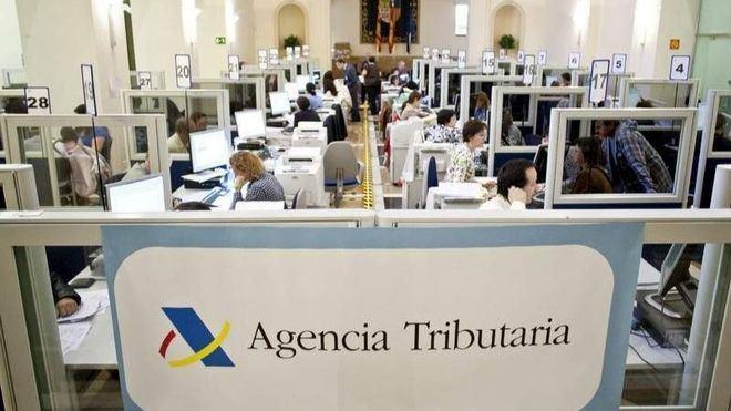 La Agencia Tributaria amplía sus horarios para evitar aglomeraciones