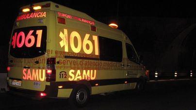 Un hombre de 68 años agrede a dos sanitarios del 061 mientras era trasladado a Son Llàtzer