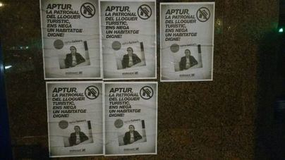 Llenan de carteles la sede de Habtur a quien acusan de impedir