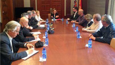 Salom se compromete con los vecinos de Pere Garau a redoblar la lucha contra el tráfico de drogas