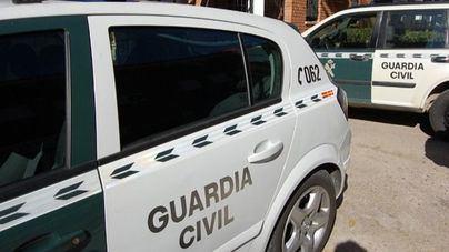 Un hombre se entrega a la Guardia Civil tras matar a su hijo de ocho años