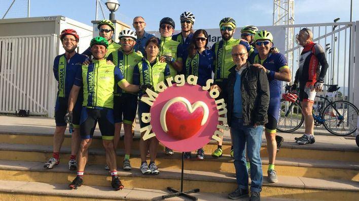 300 ciclistas pedalean en la IV Marcha Cicloturista Solidaria Na Marga Somriu