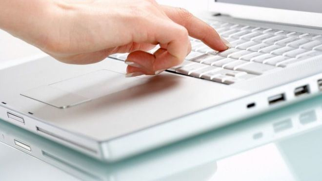 Los expertos hablan de adaptar el medio digital a personas con discapacidad