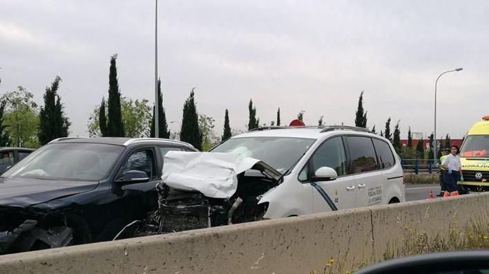 Un accidente con dos heridos en la Via de Cintura provoca grandes retenciones en la hora punta