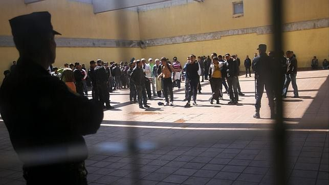 El Parlament se opone por unanimidad a que Balears tenga un centro de inmigrantes