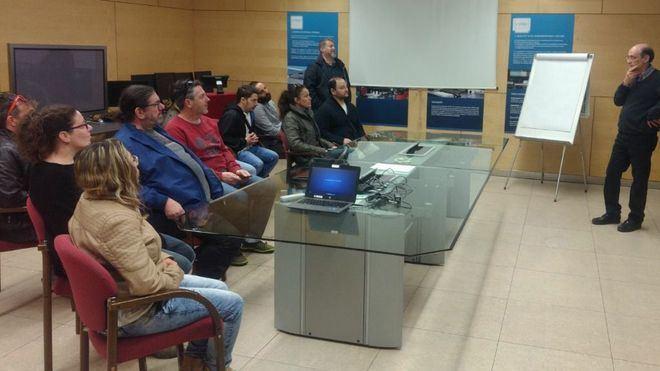 Los alumnos del módulo de electricidad para mayores de 30 en Inca visitan Endesa