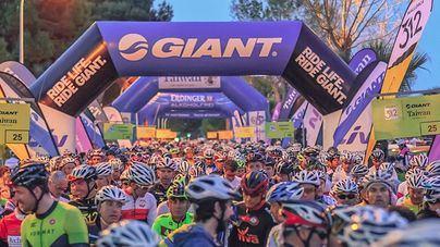 8.000 ciclistas de 59 países participan este sábado en la Mallorca 312