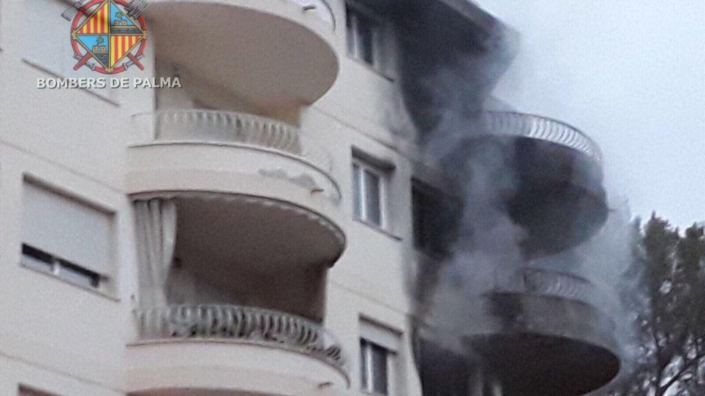 Diez de los 36 desalojados por el incendio de Illetes no podrán volver a sus casas hasta el miércoles