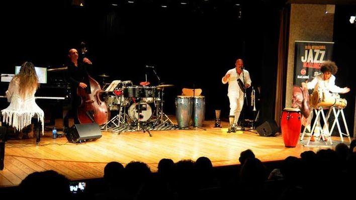 Clase magistral sobre ritmos cubanos para clausurar el Dia del Jazz