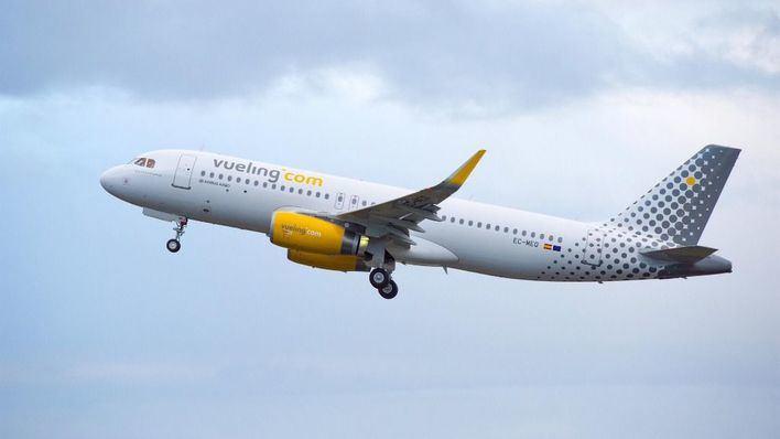 Vueling cancela 222 vuelos por la huelga de pilotos