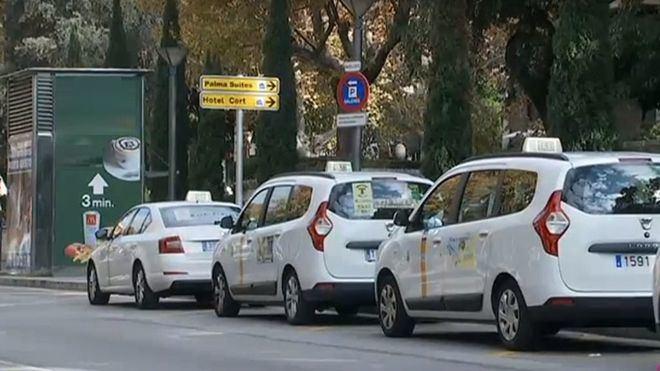 """Los taxistas denuncian que el Govern incumple pactos desde hace un año: """"es una vergüenza"""""""