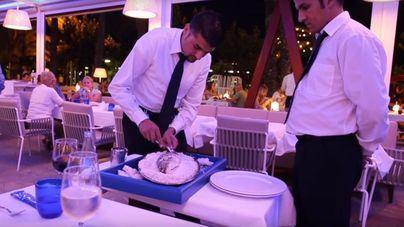 Restauradores piden camareros formados aunque avisan que no podrán pagar pluses