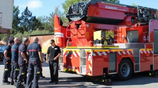 Los obreros esquivan el derrumbe del techo de una obra en Palma