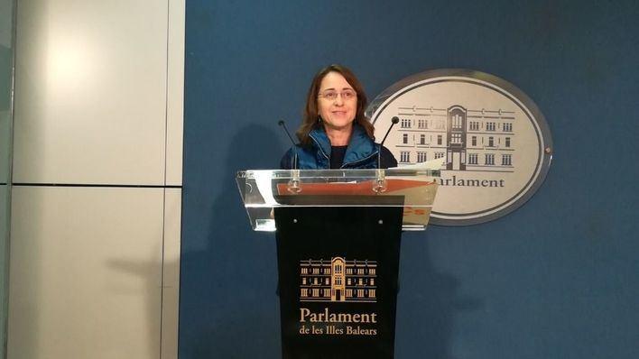 Cs asegura que las ayudas para rotular en catalán suponen