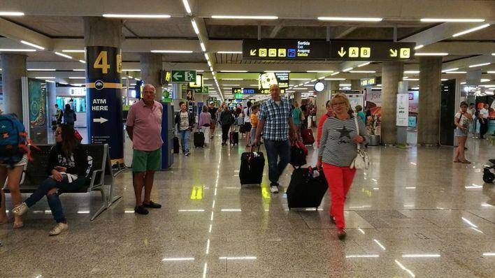 Son Sant Joan disminuye en abril el número de pasajeros un 1,2 por ciento