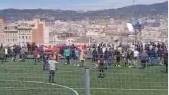 Once heridos al hundirse una grada mientras Risto Mejide grababa una entrevista a Iniesta