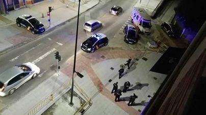 Una discusión en un bar de Avilés acaba a tiros y con un herido por disparos