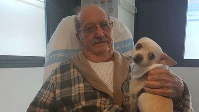 Nuevo encuentro entre un paciente y su mascota en el Hospital de Ibiza
