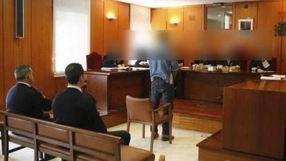 Piden doce años para un hombre acusado de abusar sexualmente de su hijastra de diez en Palma
