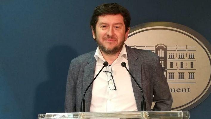 """Jarabo sale en defensa de Iglesias y cree que la compra del chalé es """"compatible"""" con su continuidad"""