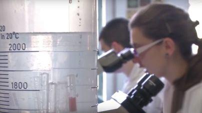 Seis técnicos de laboratorio de Son Espases de baja por 'insoportables olores' e irritaciones