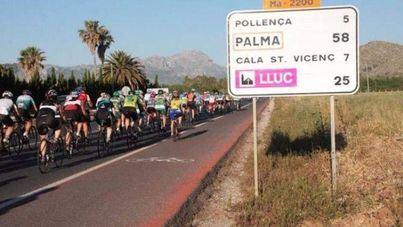 Ciclistas en las carreteras de Mallorca