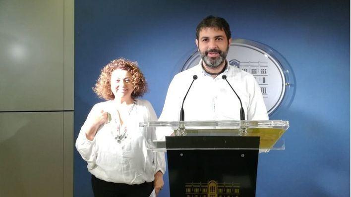 """Més le pide al PSOE que siga con la moción de censura a Rajoy porque Cs """"apoya al PP"""""""