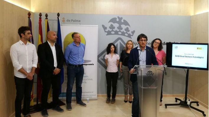Govern y Cort presentan el programa Palma Web Dual con el que siete jóvenes se forman y trabajan