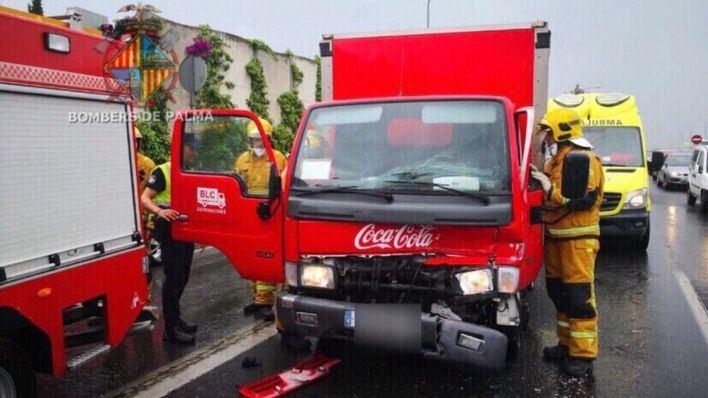 Los accidentes y la lluvia colapsan los accesos a Palma