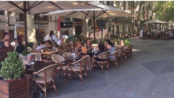Airbnb asegura que sus clientes se dejan en Mallorca 280 millones al año en restaurantes y compras