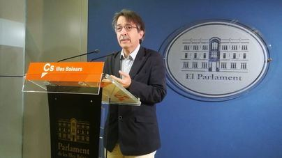 """Pericay denuncia que Pedro Sánchez se apoya en el """"asesino"""" Otegui y en el """"racista"""" Torra"""