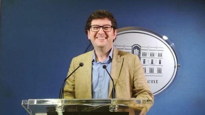 Jarabo asegura que 'el aire se respira un poco más limpio' sin Rajoy y Salom en Balears