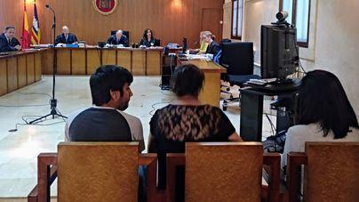Acepta dos años de cárcel una mujer que intentó sobornar a dos guardias civiles en Peguera