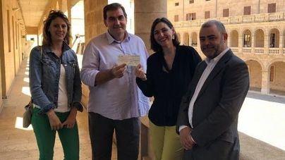 Entregan la recaudación solidaria de la 'Nit del Vi' a la Fundación Vicente Ferrer