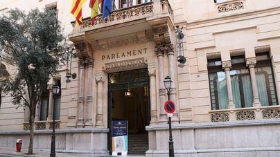 El último pleno ordinario del Parlament debatirá sobre la Ley de Caminos y la Ley Ómnibus