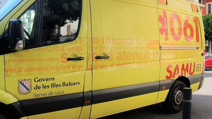 Ingresado en la UCI un hombre tras sufrir un choque frontal en Ibiza