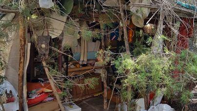 Desmantelan un asentamiento ilegal en el municipio de Santa Eulària