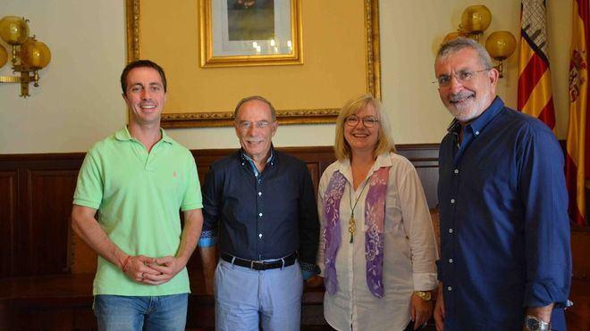 Santanyí otorga la Medalla de Oro de la Villa al escritor Antoni Vidal