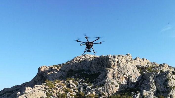Un dron de Emergencias se suma a la búsqueda del piloto del Ibanat desaparecido