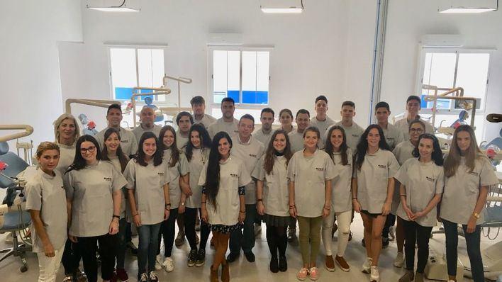 Futuros universitarios de ADEMA participan en las jornadas