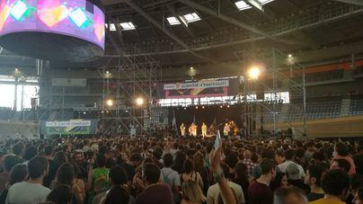 Queman fotos del Rey en el 'Concert per la Llibertat d´Expressió'