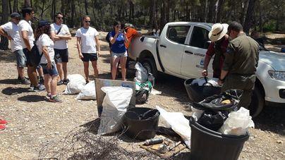 Se recogen 47,6 kilos de residuos en Caló d'en Monjo