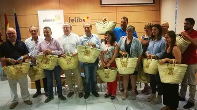Pimeco reparte 1.000 'senalles' entre los clientes del pequeño comercio