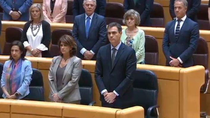 Sánchez anuncia a los senadores canarios que no habrá nueva financiación pero sí