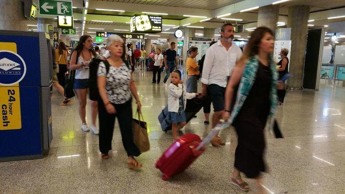 Son Sant Joan registró en mayo una media diaria de 370 vuelos