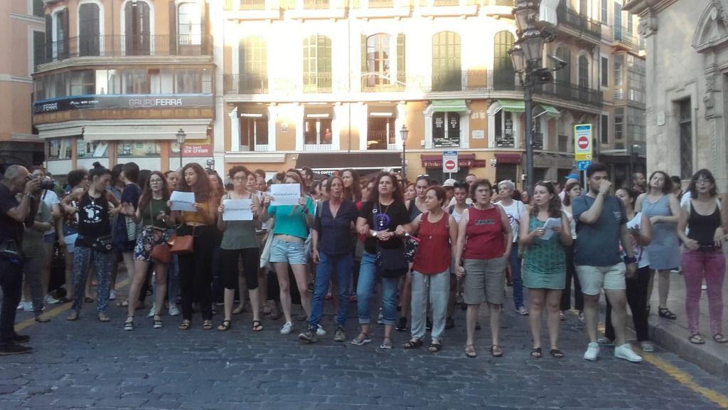 Manifestación contra la libertad provisional para 'La Manada' en la plaza de Cort